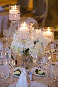 Love this table setting for a winter wedding, especially if it's supposed to snow!