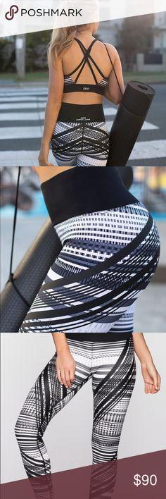 Leggings Patterned leggings for studio to street Pants Leggings