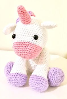 Amigurumis Micsa: Unicornio amigurumi mediano Christmas Gifts For Coworkers, Homemade Christmas Gifts, Merry Christmas, Tips And Tricks, Dessert Party, Diy Vintage, Small Dream Catcher, Diy Crafts To Do, Christmas Chalkboard