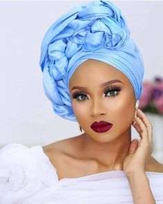 A well captured Sunday Beauty 💙.A well captured Sunday Beauty 💙 If you know this beautiful Sunday Queen, please tag her 💙 . African Lace, African Wear, African Dress, African Print Fashion, African Fashion Dresses, Turbans, Style Turban, Ankara Dress Designs, Mode Turban