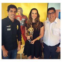 Troféu Ayrton Senna reúne pilotos das principais categorias do automobilismo mundial -     Para comemorar o tricampeonato mundial de Ayrton Senna, que está completando 25 anos em 2016, o Instituto Ayrton Senna está lançando o Troféu Ayrton Senna, competição de kart que será realizada nos dias 3 e 4 de dezembro no Kartódromo Arena Sapiens em Florianópolis (SC). O evento terá - http://acontecebotucatu.com.br/esportes/trofeu-ayrton-senna-reune-pilotos-das-p
