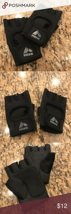 RBX Women's Workout Gloves These RBX workout gloves are in like new condition. They are women's size large. RBX Accessories Gloves & Mittens