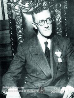 En Junio 9 de 1965, muere en Bogotá, faltando pocos días para cumplir sus 74 años, el sacerdote jesuita Eduardo Ospina Bernal, Director Artístico de la ornamentación de la Catedral.
