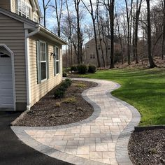 45 Amazing Front Yard Pathway Landscaping Ideas - Page 13 of 46 Front Garden Path, Front Yard Walkway, Front Yard Landscaping, Backyard Patio, Garden Paths, Front Yards, Paver Walkway, Walkway Ideas, Patio Ideas