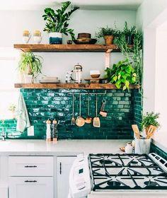 Just your average swoon-worthy kitchen. (Photo via @justinablakeney) #everydayIBT by inspiredbythisblog