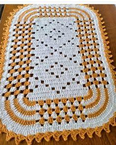 Granny Square Crochet Pattern, Crochet Round, Filet Crochet, Crochet Motif, Crochet Stitches, Crochet Patterns, Diy Crafts Crochet, Crochet Home, Crochet Projects