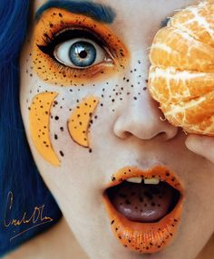 Cristina Otero Pascual is a photographer who lives in Spain. Enjoy reading the interview with Cristina Otero about her Tutti Frutti photography. Tutti Frutti, Composition D'image, Creative Self Portraits, Creative Selfie Ideas, Body Scrub Recipe, Self Portrait Photography, Fruit Photography, Contrast Photography, Makeup Ideas