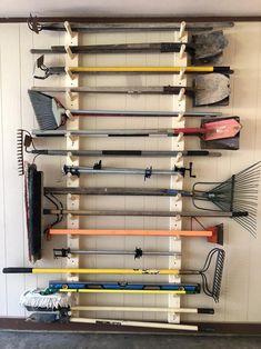 Yard Tool Storage Ideas, Storage Shed Organization, Garage Workshop Organization, Garage Tool Storage, Workshop Storage, Garage Tools, Diy Storage, Storage Cart, Outdoor Tool Storage