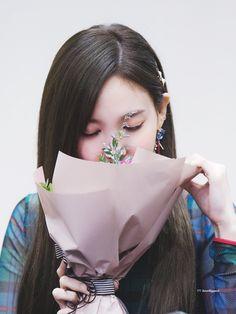 [Korea] All about Showbiz, Music, Drama, Idol, etc. (Part - Page 6203 - vozForums Bts Twice, Twice Once, Twice Kpop, Snsd, Bad Girlfriend, Korean Beauty Girls, Warner Music, Twice Korean, Nayeon Twice