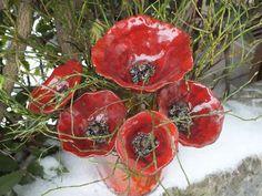 http://de.dawanda.com/product/42549722-Mohnblumen-Poppies-Gartenkeramik-Keramik-rot
