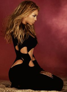 Beyonce was the first female artist to be honored with the International Artist Award at the American Music Awards.