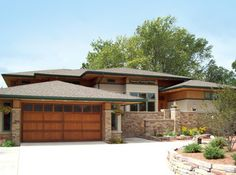Prairie Style Design, Pictures, Remodel, Decor and Ideas - page 26 Garage door Modern Prairie Home, Prairie Style Houses, Modern Rustic Homes, Rustic Home Design, Style At Home, Prairie Style Architecture, Rustic Shed, House Front Porch, Porch Entry