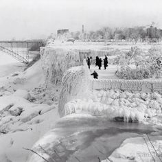 Niagara Falls Frozen in 1911