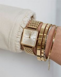 Rosefield Hodinky The Boxy White Sunray Steel Rosefield Hodinky The Boxy White Sunray Steel Gold Dress simple – accessories boldly with rectangular Rosefield gold watch 💥 Zlaté hranaté hodinky Rosefield. Gold Outfit, Gold Watch Outfit, Gold Dress, Cool Watches, Watches For Men, Gold Watches Women, Cheap Watches, Women's Watches, Female Watches