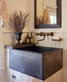 This giant rustic-looking sink would fit perfectly in a country home!