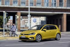 Volkswagen Golf VII (facelift 2016) R 2.0 TSI (310 Hp) 4MOTION BMT #cars #car #volkswagen #golf #fuelconsumption