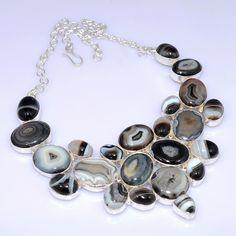 Maxi colar de prata com ágata bruta.