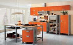 wände streichen ideen küche creme orange küchenschränke küchentisch