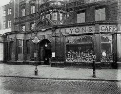 Angel Islington Lyons Cafe Restaurant 1930's