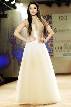 Shraddha Kapoor Eid Dresses, Cute Dresses, Casual Dresses, Wedding Dresses, Shraddha Kapoor, Indian Actress Photos, Indian Actresses, Bollywood Fashion, Bollywood Actress