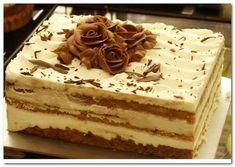 Tiramisu a popular coffee-flavored italian dessert. Italian Desserts, Köstliche Desserts, Delicious Desserts, Yummy Food, Italian Tiramisu, Wedding Desserts, Food Cakes, Cupcake Cakes, Cupcakes