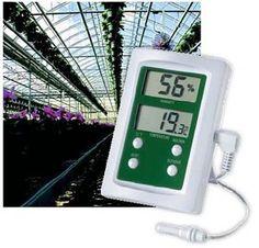 #Termoigrometro #digitale Hygro, si caratterizza per il suo doppio display, che mostra simultaneamente la temperatura e l'umidità. Questo igrometro indica e memorizza i valori massimi e minimi sia della temperatura che dell'umidità in un campo da -20 a +70°C e da 20 a 99%RH.