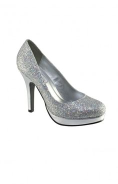 Need a comfy pump, these should be yours! This closed toe shoe is ideal for many occasions especially prom and homecoming! Prom Shoes, Bling Bling, Homecoming, Kitten Heels, Toe, Comfy, Pumps, Fashion, Moda