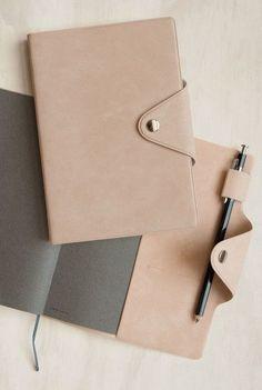 Delfonics - 2017 Prado Leather Diary - Daily - B6 (13x18.5cm) - Soft Cover - Beige