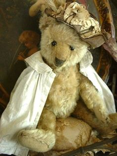 Sweet faced antique Steiff teddy bear