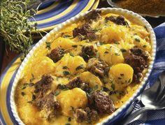 Kartoffel-Auflauf mit Hackfleisch und Curry-Käsesoße