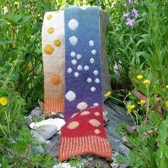 I loved designing the Bubbles Scarf using Kauni Effektgarn yarn.  What fun to see other knitters' interpretations of this pattern! Yarns: Kauni Effektgarn (EQ), Kauni Effektgarn (EN)