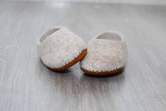 SIZE 36, (6 US) Felted slippers, wool slipper, home shoes, beige, leather soles