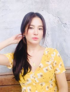 Song Hye Kyo Looks Just like a Barbie Doll Now That Her Hair Is Fully Grown Out - Koreaboo Jung So Min, Korean Beauty, Asian Beauty, Song Hye Kyo Style, Song Hye Kyo Hair, Korean Celebrities, Celebs, Song Joon Ki, Instyle Magazine