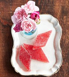 Rhubarb jellies - Delight your taste buds with spring's first fruit. The sweet-tart kick extends way beyond pie! Best Rhubarb Recipes, Fruit Recipes, Candy Recipes, Sweet Recipes, Dessert Recipes, Rhubarb Ideas, Healthy Recipes, Rhubarb Cookies, Rhubarb Desserts