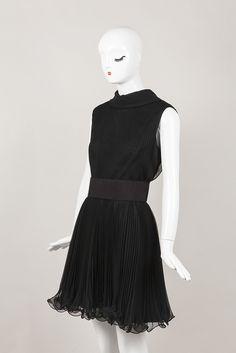 Sleeveless Pleated Black Dress – Luxury Garage Sale