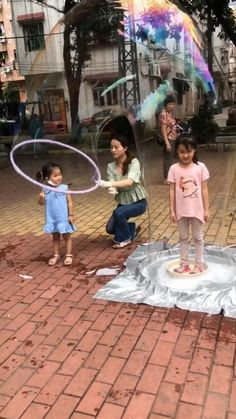 Toddler Preschool, Toddler Crafts, Crafts For Kids, Dementia Activities, Activities For Kids, Bubble Games For Kids, Bubble Guppies Party, Bubble Chandelier, Game Room Design