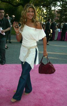 Jennifer Esposito. Cute outfit.