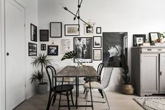 From gallery walls to oversized paintings, be inspired by these five homes that flawlessly incorporate minimalist art. Which space is your favorite?                              View the Original...