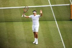 Roger Federer vs Andy Muray winning 7-5 7-5 6-4. 7/10/15 Wimbledon