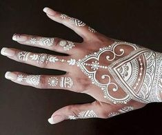 Trendy Ideas For Wedding Indian Henna Mehandi Designs Henna Tattoos, Tattoos Mandalas, White Henna Tattoo, Henna Body Art, Rib Tattoos, Tatoos, Mehndi Designs, Wedding Henna Designs, Indian Henna Designs