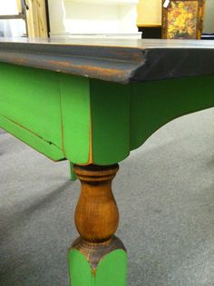 Antibes green CHALK PAINT® with a Graphite top