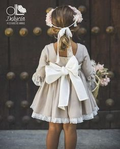 Ideas para vestir a los niños de arras Flower Girl Photos, Flower Girl Dresses, Big Girl Fashion, Kids Fashion, Cute Girl Outfits, Kids Outfits, Wedding Party Dresses, Bridesmaid Dresses, Chelsea Wedding