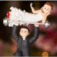 Found our wedding cake topper, finally! Funny Grooms Cake, Funny Wedding Cake Toppers, Cake Topper Wedding, Crossfit Wedding, Our Wedding, Dream Wedding, Wedding Rings, Trendy Wedding, Wedding Bride