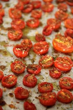 amour fou(d): slow roasted tomatoes. Ricotta, Dairy Free Recipes, Healthy Recipes, Gluten Free, Slow Roasted Tomatoes, Fall Dishes, Everyday Food, Wine Recipes, Finger Foods