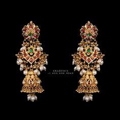 Gold Jhumka Earrings, Buy Earrings, Jewelry Design Earrings, Gold Earrings Designs, Gold Jewellery Design, Gold Jewelry, Earrings Online, Handmade Jewellery, Antique Earrings