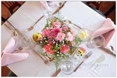 Pretty fresh flower centerpiece at Bluff Mountain Inn Tennessee Smokies, East Tennessee, Chapel Wedding, Wedding Venues, Wedding Ideas, Flower Centerpieces, Wedding Centerpieces, Gatlinburg Weddings, Fresh Flowers