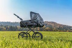 All Black, der andere Hesba Kinderwagen.  #kinderwagen #hesba #stroller #schwanger #kinder #eltern Future Maman, Blog Love, Baby Strollers, About Me Blog, My Love, Daddy To Be, Parents, Pram Sets, Tote Bag