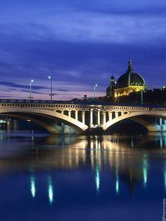 Croisière #romantique sur le #Rhône ! #Lyon #bynight