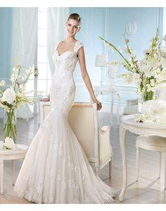 Robe de mariée sirène dentelle tulle appliques col en coeur