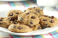 Healthy Chocolate Chip Cookies >> Easily made GF if the right oats are used in the recipe.